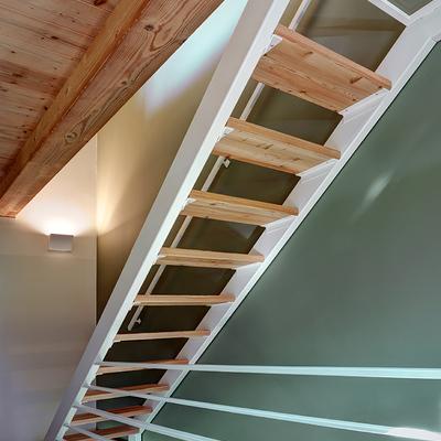 Escalera de estructura metálica
