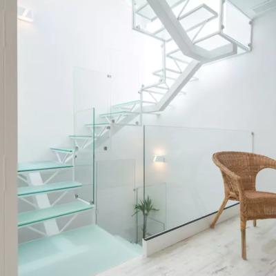Escalera desde habitación