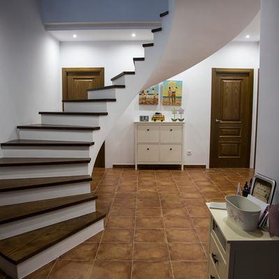 Escalera entrada principal
