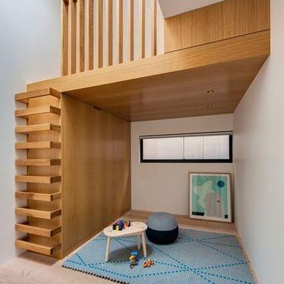escalera de madera mínima