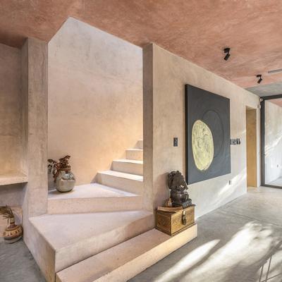 Escalera principal de la vivienda