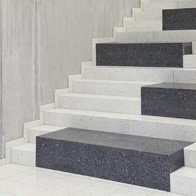 Escalera robusta