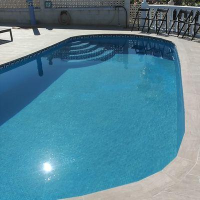 Escalera romana piscina