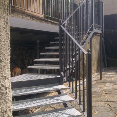 Presupuesto escalera metalica online habitissimo for Grada escalera