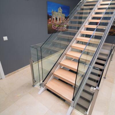 Escaleras. Subida a terrazas ático