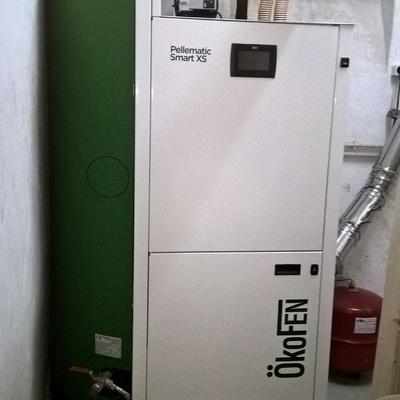 Biomasa con caldera de pellets con tecnología de condensación para calefacción y ACS