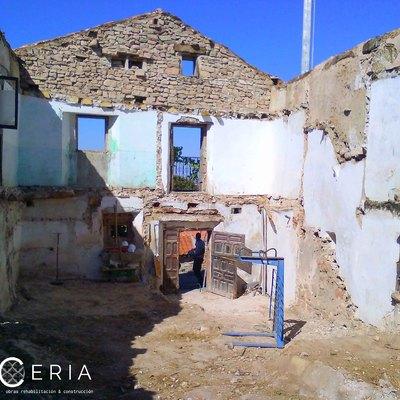 Proyecto y obra de demolición manual vivienda antigua pueblo Cubillas del Pinar (Guadalajara)