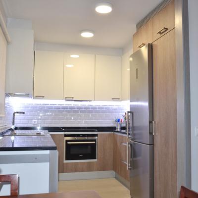 Una nueva cocina abierta al salón (antes y después)