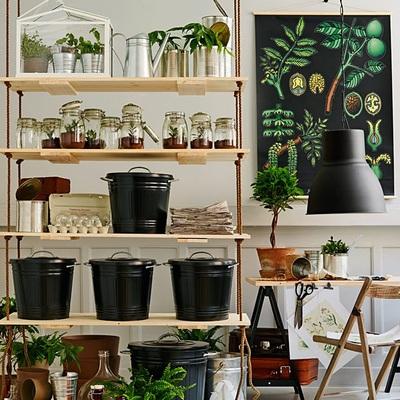 Estanterías colgantes para tener plantas