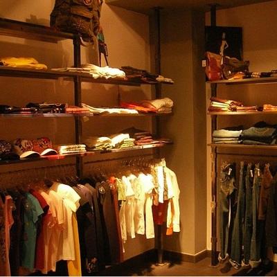 Tienda de ropa de 2 plantas en Barcelona