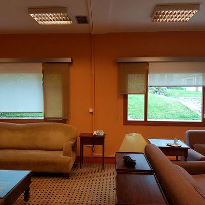 """Suministro e instalación de Estores Enrollables de Screen Decorativo y Galerías Decorativas en Campus """"Puente Nuevo"""" de Gas Natural"""