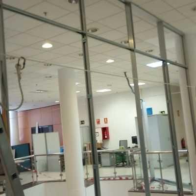 Proyecto de Cerramiento de Oficinas