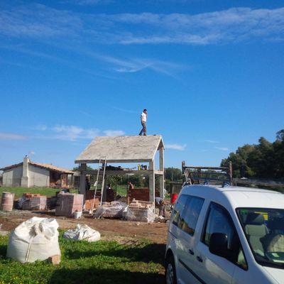 CONSTRUCCIÓN DE CASA DE APEROS EN PARCELA