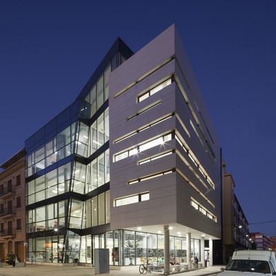 Centro cultural, biblioteca y escuela de adultos de Paiporta (Valencia)