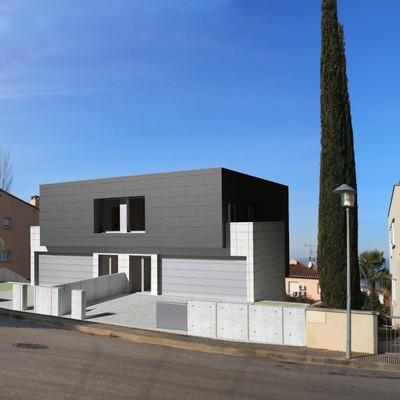 Habitatges unifamiliars aparellats - Girona - Palau