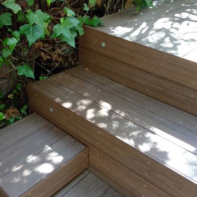 muebles con madera exterior tecnologica