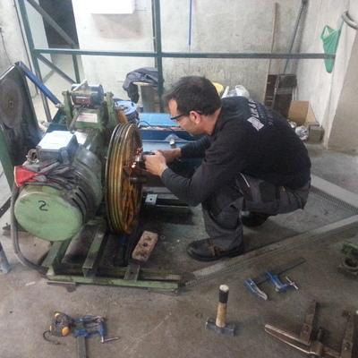 Sustitución de polea tractora y cables de suspensión