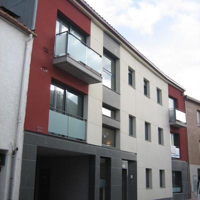 2 edificis habitatges a Calonge