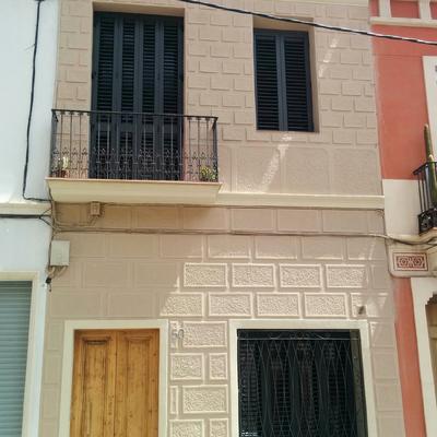 Projecte de Reforma de casa unifamiliar entre mitgeres a Barcelona