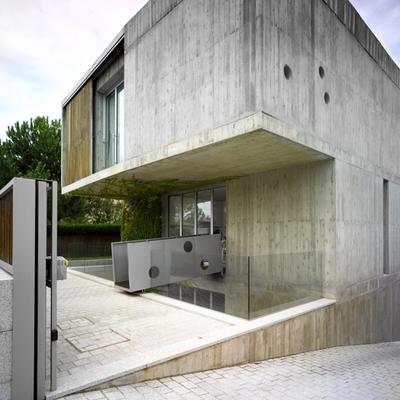 Una casa con una piscina soprendente