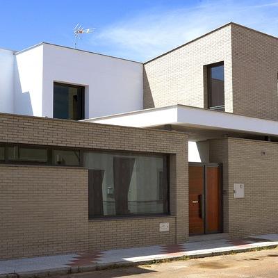 Ideas y fotos de construcci n casas en sevilla ciudad - Fachadas viviendas unifamiliares ...