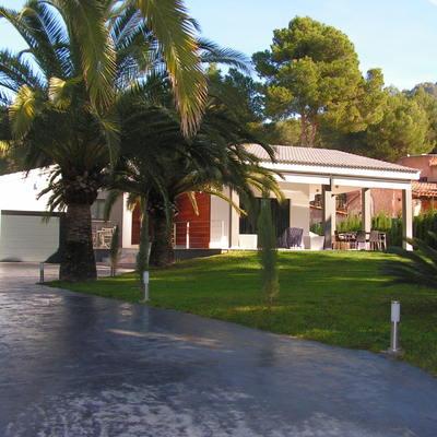fachada de la casa y exteriores