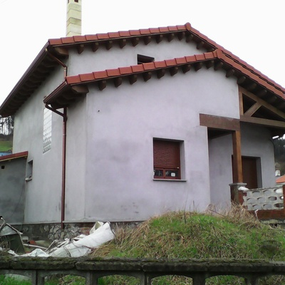 Construcción nueva vivienda estilo rústico