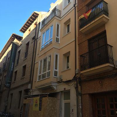 Reforma de edificio para viviendas y bajo