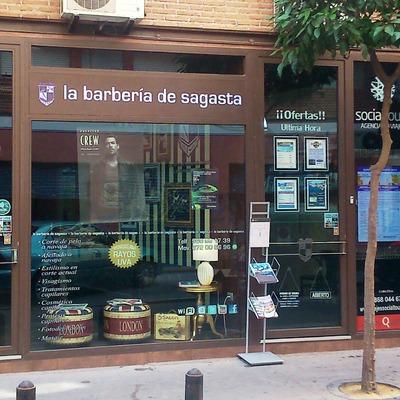"""Reforma De """"La Barberia De Sagasta"""" Y """"Agencia De Viajes Socialtours"""""""