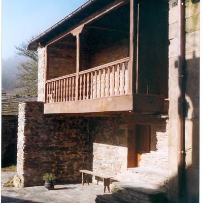 Rehabilitación integral de vivienda y capilla