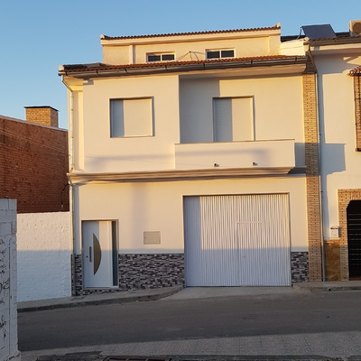 Construcción de vivienda con buardilla