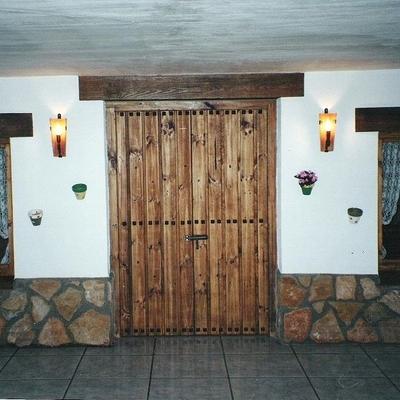 Ideas y fotos de puertas r sticas para inspirarte - Fachadas rusticas castellanas ...