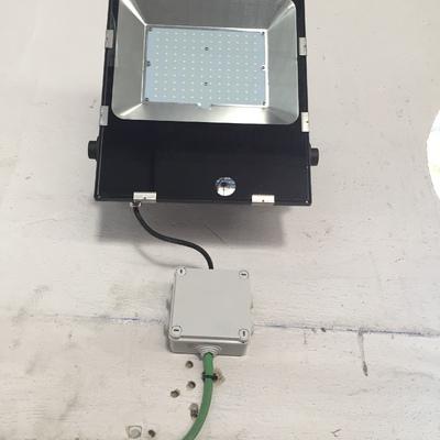 Instalacion de iluminaria led en Nave Industrial