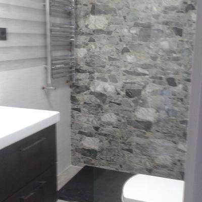 fondo ducha chapado imitación piedra