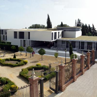 Conservatorio de Musica y Escuela de Idiomas (Concurso)
