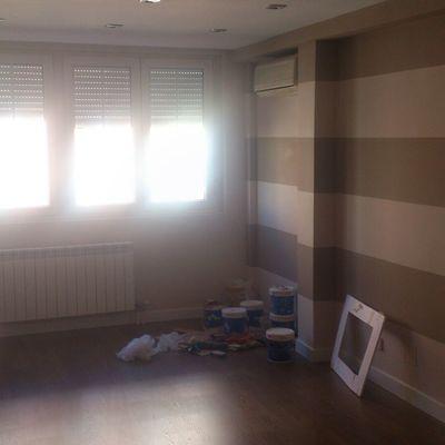 Pintura en salón.