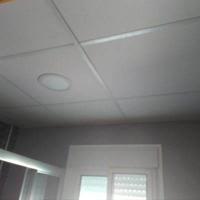 Instalación de techo registrable.