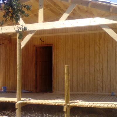 Casa de madera y mirador de Elondo