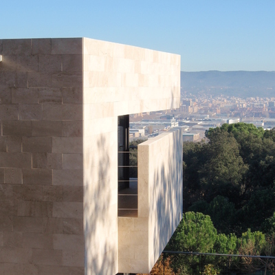 Girona al fons