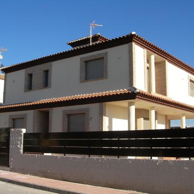 Proyecto y construcción de vivienda y cochera