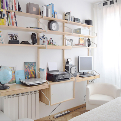 Habitación de invitados con zona de trabajo