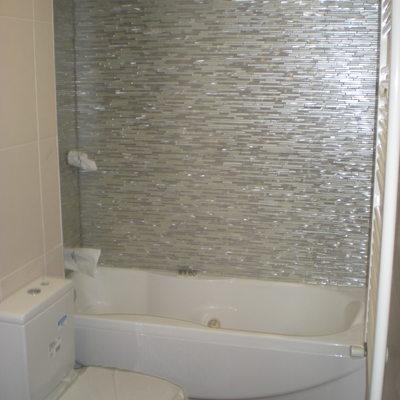 Reforma de baño con cambio de bañera por hidromasaje