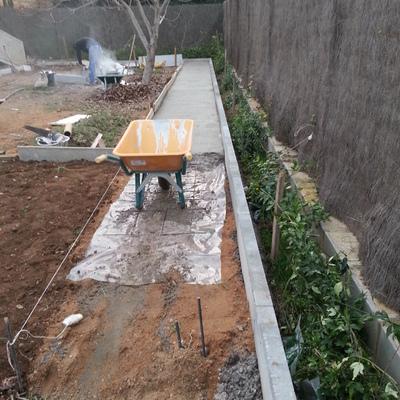 Trabajo de aceras de jardín