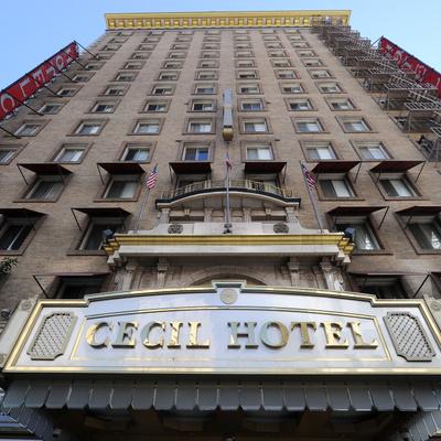 Hotel Cecil (exterior)
