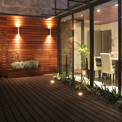 Ideas y fotos de terraza y jard n de estilo moderno en for Iluminacion terraza