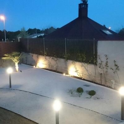 Iluminacion en jardin