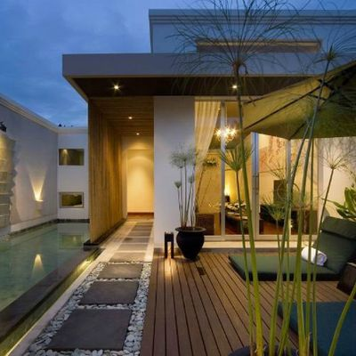 Iluminación terraza con focos, plafones y proyectores