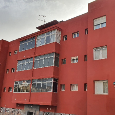 Impermeabilización de cubierta y fachada del edificio. Y  pintura
