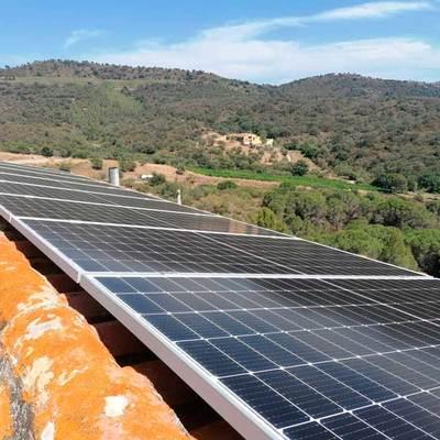 Instal·lació de panells solars Vilamaniscle