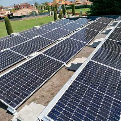 Instal·lació fotovoltaica a Torroella de Fluvià (Girona)